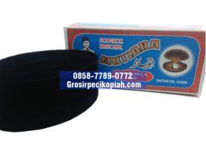 Jual Grosir Kopiah Mutiara Songkok Bahan Bludru Peci Kopiah Produsen - kopiah hitam mutiara 1 300x225