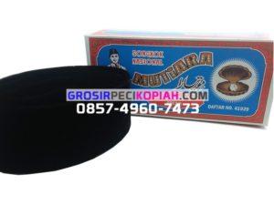 Jual Grosir Kopiah Mutiara Songkok Bahan Bludru Peci Kopiah Produsen - peci hitam mutiara 300x225